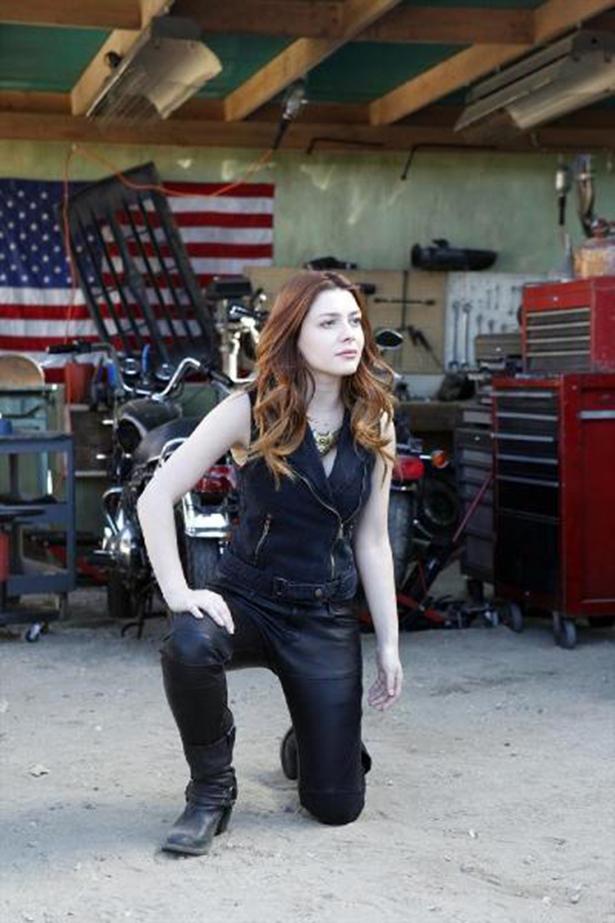 New Sif Photos From Her AGENTS OF S.H.I.E.L.D. Guest Spot_Lorelie