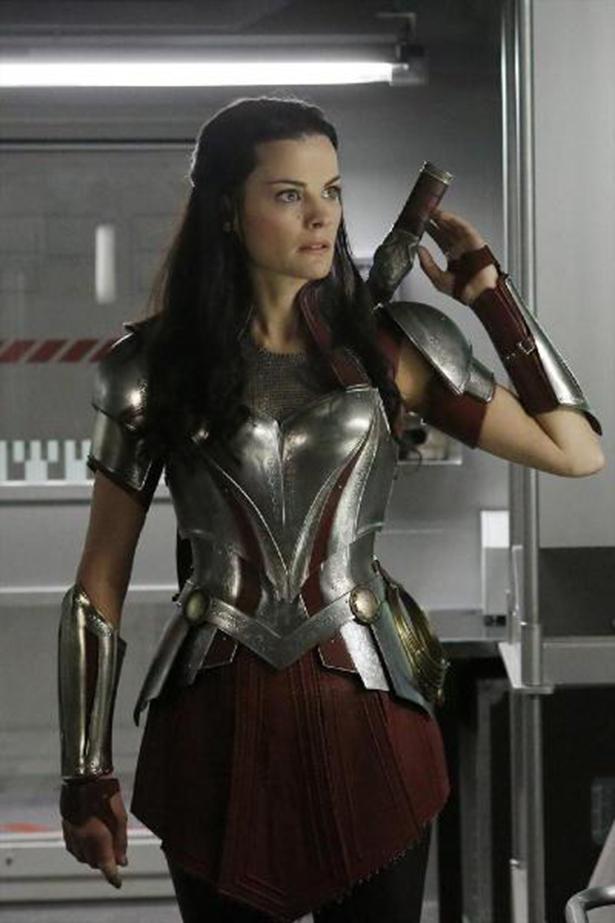 New Sif Photos From Her AGENTS OF S.H.I.E.L.D. Guest Spot_Sif6
