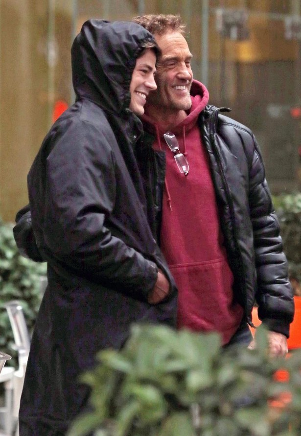 grant-gustin-begins-filming-the-flash-03
