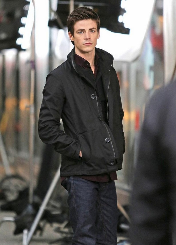 grant-gustin-begins-filming-the-flash-04