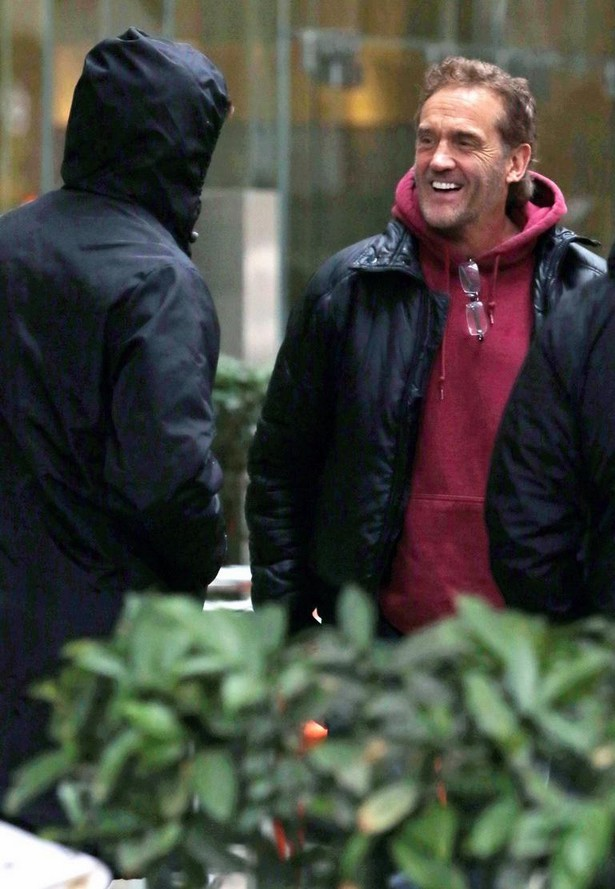 grant-gustin-begins-filming-the-flash-08